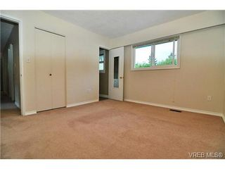 Photo 10: 504 Salton Drive in VICTORIA: Co Triangle Single Family Detached for sale (Colwood)  : MLS®# 351880