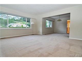 Photo 5: 504 Salton Drive in VICTORIA: Co Triangle Single Family Detached for sale (Colwood)  : MLS®# 351880