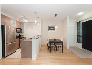 """Photo 6: 328 SMITHE Street in Vancouver: Yaletown Townhouse for sale in """"YALETOWN PARK II"""" (Vancouver West)  : MLS®# V1136824"""