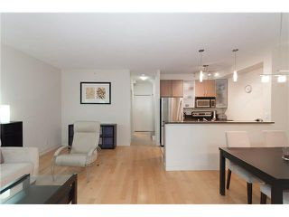 """Photo 8: 328 SMITHE Street in Vancouver: Yaletown Townhouse for sale in """"YALETOWN PARK II"""" (Vancouver West)  : MLS®# V1136824"""
