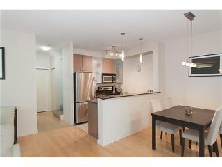 """Photo 9: 328 SMITHE Street in Vancouver: Yaletown Townhouse for sale in """"YALETOWN PARK II"""" (Vancouver West)  : MLS®# V1136824"""