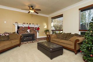 Photo 3: 1885 156 Street in Surrey: King George Corridor House for sale (South Surrey White Rock)  : MLS®# R2020408