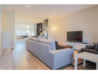 Photo 4: 87 EVANSBOROUGH Crescent NW in Calgary: Evanston House for sale : MLS®# C4048646