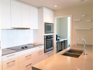Photo 4: 1802 5728 BERTON Avenue in Vancouver: University VW Condo for sale (Vancouver West)  : MLS®# R2049668