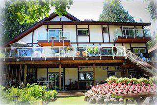 "Photo 2: 946 GALE Drive in Delta: Tsawwassen Central House for sale in ""UPPER TSAWWASSEN"" (Tsawwassen)  : MLS®# R2083136"