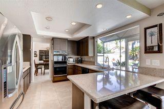 Photo 8: OCEANSIDE House for sale : 4 bedrooms : 346 Vista Marazul