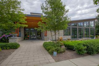 """Photo 13: 314 1153 KENSAL Place in Coquitlam: New Horizons Condo for sale in """"ROYCROFT"""" : MLS®# R2101554"""
