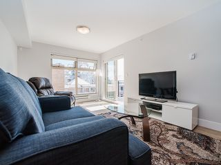"Photo 5: 401 2408 E BROADWAY in Vancouver: Renfrew VE Condo for sale in ""BROADWAY CROSSING"" (Vancouver East)  : MLS®# R2102626"