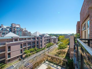 "Photo 13: 401 2408 E BROADWAY in Vancouver: Renfrew VE Condo for sale in ""BROADWAY CROSSING"" (Vancouver East)  : MLS®# R2102626"