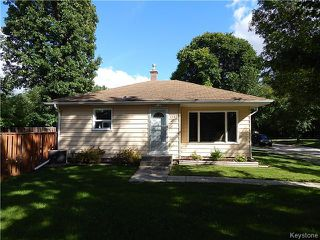 Photo 1: 1393 Kildonan Drive in Winnipeg: Fraser's Grove Residential for sale (3C)  : MLS®# 1622981