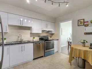Photo 3: 1005 6888 STATION HILL Drive in Burnaby: South Slope Condo for sale (Burnaby South)  : MLS®# R2125491