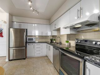 Photo 4: 1005 6888 STATION HILL Drive in Burnaby: South Slope Condo for sale (Burnaby South)  : MLS®# R2125491