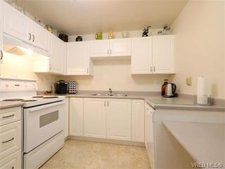 Photo 6: 109 290 Island Highway in VICTORIA: VR View Royal Condo Apartment for sale (View Royal)  : MLS®# 373699