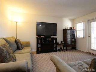 Photo 3: 109 290 Island Highway in VICTORIA: VR View Royal Condo Apartment for sale (View Royal)  : MLS®# 373699