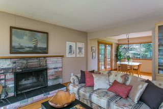 Photo 5: 1561 MERLYNN Crescent in North Vancouver: Westlynn House for sale : MLS®# R2143855