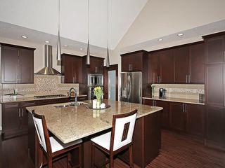 Photo 6: 112 WENTWORTH Square SW in Calgary: West Springs House for sale : MLS®# C4105580