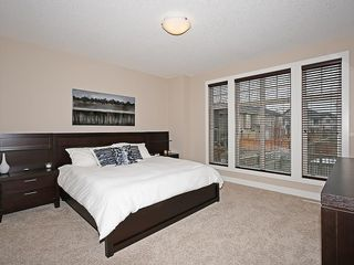 Photo 12: 112 WENTWORTH Square SW in Calgary: West Springs House for sale : MLS®# C4105580