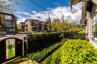 "Photo 3: 720 ORWELL Street in North Vancouver: Lynnmour Townhouse for sale in ""Wedgewood by Polygon"" : MLS®# R2162602"