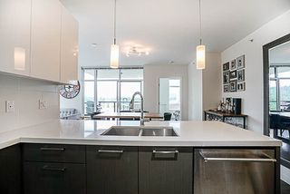 """Photo 3: 907 3080 LINCOLN Avenue in Coquitlam: North Coquitlam Condo for sale in """"1123 WESTWOOD"""" : MLS®# R2171557"""