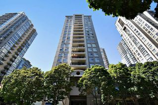 "Photo 1: 803 989 RICHARDS Street in Vancouver: Downtown VW Condo for sale in ""MONDRIAN"" (Vancouver West)  : MLS®# R2175758"