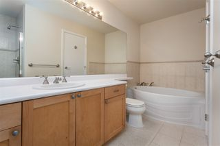 """Photo 6: 211 6198 ASH Street in Vancouver: Oakridge VW Condo for sale in """"THE GROVE"""" (Vancouver West)  : MLS®# R2193582"""