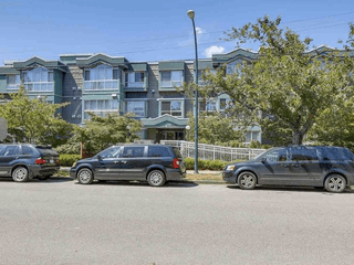 Photo 15: #110-2211 Wall St in Vancouver: Hastings Condo for sale (Vancouver East)  : MLS®# R2192905