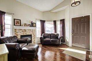 Photo 3: 188 ARBOUR STONE Close NW in Calgary: Arbour Lake House for sale : MLS®# C4139382