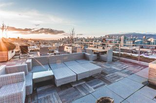 """Photo 2: 712 251 E 7TH Avenue in Vancouver: Mount Pleasant VE Condo for sale in """"THE DISTRICT ON MAIN"""" (Vancouver East)  : MLS®# R2243985"""