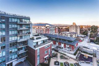 """Photo 5: 712 251 E 7TH Avenue in Vancouver: Mount Pleasant VE Condo for sale in """"THE DISTRICT ON MAIN"""" (Vancouver East)  : MLS®# R2243985"""