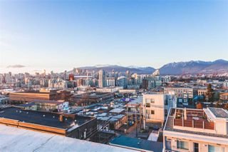 """Photo 3: 712 251 E 7TH Avenue in Vancouver: Mount Pleasant VE Condo for sale in """"THE DISTRICT ON MAIN"""" (Vancouver East)  : MLS®# R2243985"""