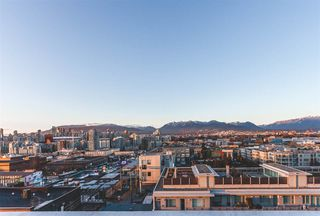 """Photo 4: 712 251 E 7TH Avenue in Vancouver: Mount Pleasant VE Condo for sale in """"THE DISTRICT ON MAIN"""" (Vancouver East)  : MLS®# R2243985"""