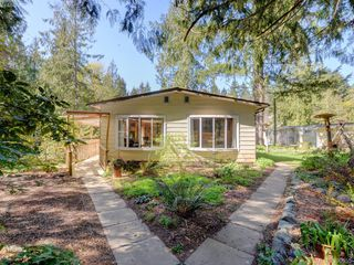 Photo 3: 3109 Cameron-Taggart Road in COBBLE HILL: ML Cobble Hill Single Family Detached for sale (Malahat & Area)  : MLS®# 390655