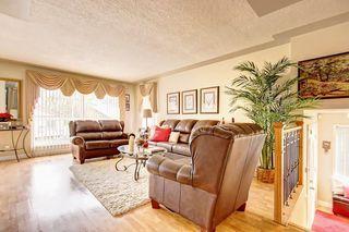 Photo 9: 83 CASTLEFALL Road NE in Calgary: Castleridge Detached for sale : MLS®# C4194335