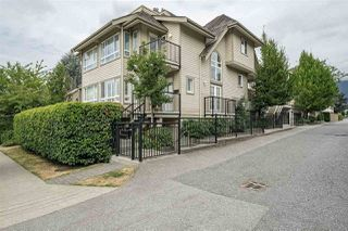 Photo 1: 214 W 15TH Street in North Vancouver: Central Lonsdale House 1/2 Duplex for sale : MLS®# R2294423