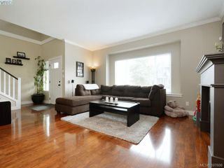 Photo 4: 1284 Parkdale Creek Gdns in VICTORIA: La Westhills Single Family Detached for sale (Langford)  : MLS®# 795585