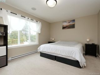 Photo 10: 1284 Parkdale Creek Gdns in VICTORIA: La Westhills Single Family Detached for sale (Langford)  : MLS®# 795585