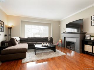 Photo 2: 1284 Parkdale Creek Gdns in VICTORIA: La Westhills Single Family Detached for sale (Langford)  : MLS®# 795585
