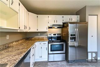 Photo 8: 26 Knotsberry Bay in Winnipeg: River Park South Residential for sale (2F)  : MLS®# 1827466