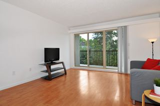 "Photo 3: 311 9847 MANCHESTER Drive in Burnaby: Cariboo Condo for sale in ""Barclay Woods"" (Burnaby North)  : MLS®# R2317069"