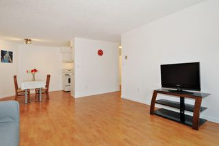 "Photo 4: 311 9847 MANCHESTER Drive in Burnaby: Cariboo Condo for sale in ""Barclay Woods"" (Burnaby North)  : MLS®# R2317069"