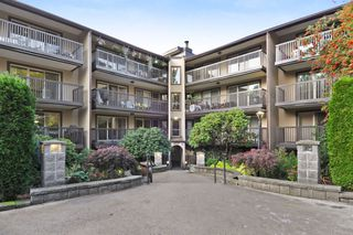 "Photo 1: 311 9847 MANCHESTER Drive in Burnaby: Cariboo Condo for sale in ""Barclay Woods"" (Burnaby North)  : MLS®# R2317069"
