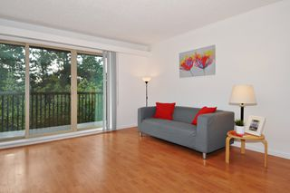 "Photo 2: 311 9847 MANCHESTER Drive in Burnaby: Cariboo Condo for sale in ""Barclay Woods"" (Burnaby North)  : MLS®# R2317069"