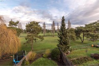Photo 27: 1052 Colville Rd in VICTORIA: Es Gorge Vale Half Duplex for sale (Esquimalt)  : MLS®# 804385