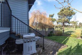 Photo 33: 1052 Colville Rd in VICTORIA: Es Gorge Vale Half Duplex for sale (Esquimalt)  : MLS®# 804385