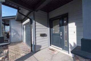 Photo 2: 1052 Colville Rd in VICTORIA: Es Gorge Vale Half Duplex for sale (Esquimalt)  : MLS®# 804385