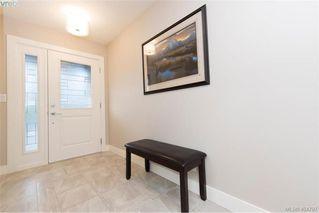 Photo 3: 1052 Colville Rd in VICTORIA: Es Gorge Vale Half Duplex for sale (Esquimalt)  : MLS®# 804385