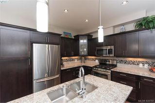 Photo 6: 1052 Colville Rd in VICTORIA: Es Gorge Vale Half Duplex for sale (Esquimalt)  : MLS®# 804385
