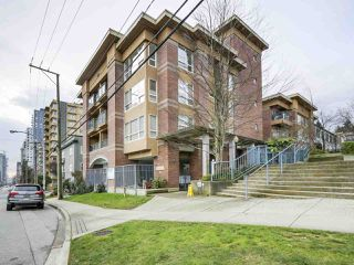 "Photo 1: 406 335 CARNARVON Street in New Westminster: Downtown NW Condo for sale in ""KINGS GARDEN"" : MLS®# R2335928"
