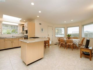 Photo 7: 786 Del Monte Place in VICTORIA: SE Cordova Bay Single Family Detached for sale (Saanich East)  : MLS®# 406763