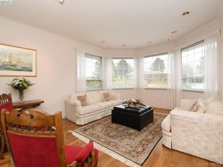 Photo 3: 786 Del Monte Place in VICTORIA: SE Cordova Bay Single Family Detached for sale (Saanich East)  : MLS®# 406763